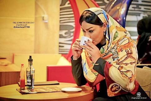 عکس تبلیغاتی شقایق دلشاد